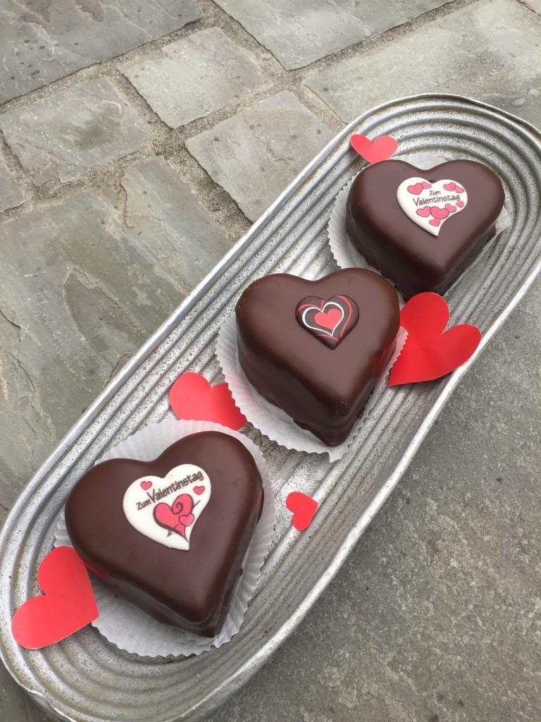Valentins-Sacherherzen neu